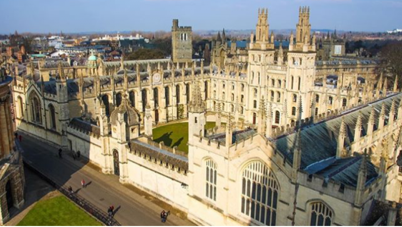 Where to Study Law in the U.K. - Career Advice - Lawyer Marketing Pro
